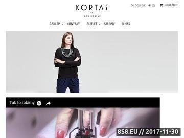 Zrzut strony Sukienki wieczorowe marki Kortas dla szykownych kobiet.
